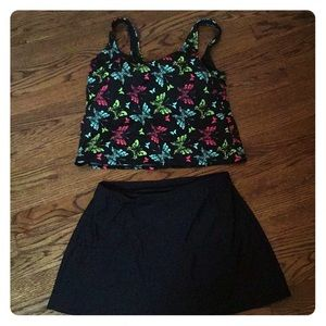 2 piece tank and skirt women's bathing suit. NWOT